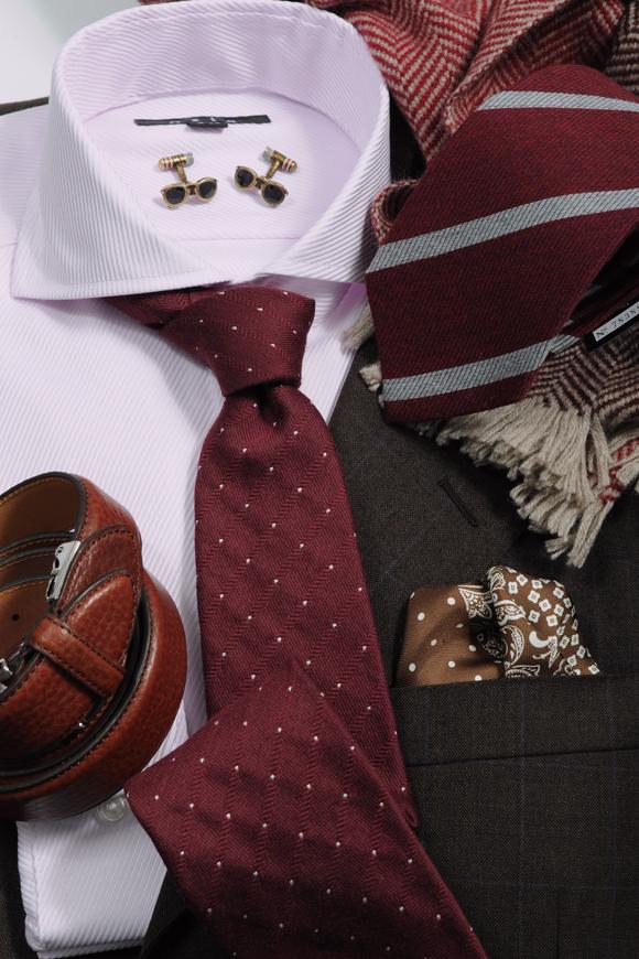 ozie オジエ ブラウン系スーツに暖かみのある色あいのコーディネート