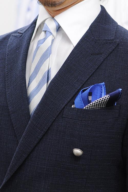 ozie|オジエ ネイビーのジャケット+麻混ネクタイのコーディネート1