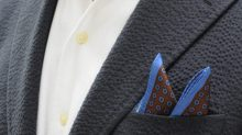 ozie|オジエ からみ織り生地シャツ・シアサッカーのスーツ+からみ織りのイタリアンカラーシャツのコーディネート1
