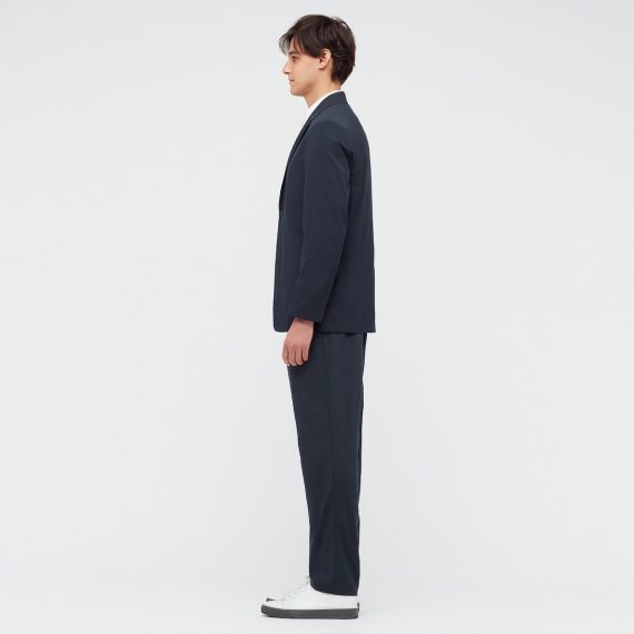 ユニクロ・感動パンツ・テーパード