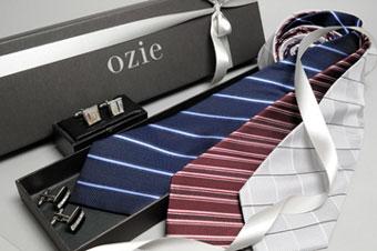 彩りをそえるネクタイ